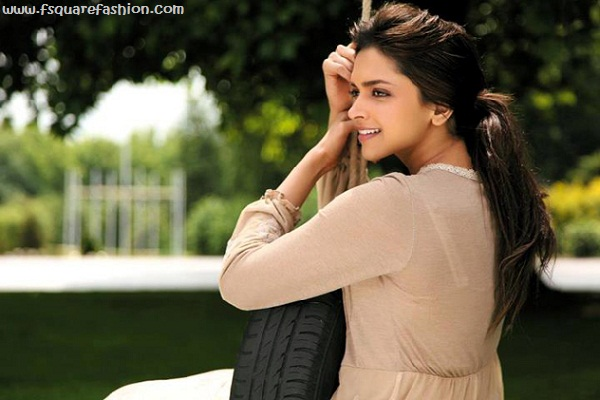 Deepika Padukone Pictures In Cocktail Movie 2012
